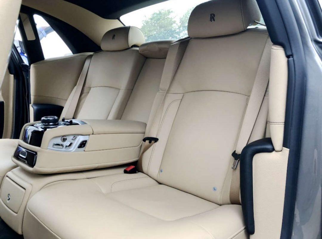 Mobile-Detailing-Essex-Customer-Rolls-Royce-Interior-Seats